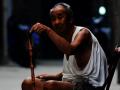 黄浦区举办公益活动 为孤老和智障人士送礼包