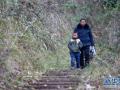 重庆:61岁教师坚守乡村小学40年