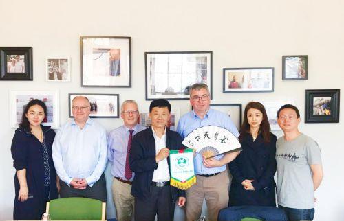 中社联刘良玉副会长一行访问英国儿童关爱组织
