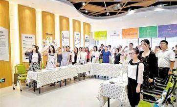 深圳龙华区建立健全社会工作激励机制吸引更多优秀社工投身社区建设
