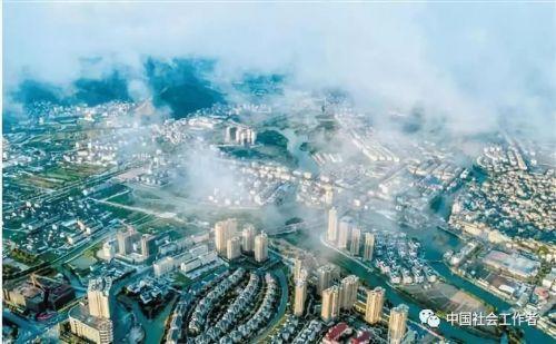 楚门的世界:政府携社工 构建社会治理新格局