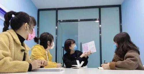 """社工傅婉霏:同心协契共抗""""疫"""",守护人间四月天"""
