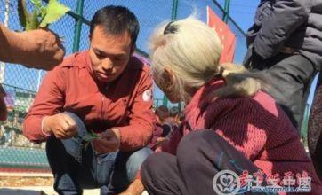 张河亮:放弃高薪职业,返乡投身社工行业