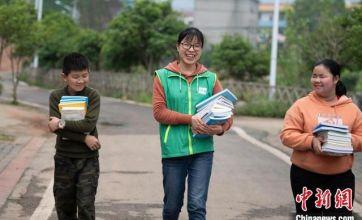90后社工女孩扎根农村伴乡童:困难只有在行动中才能解决