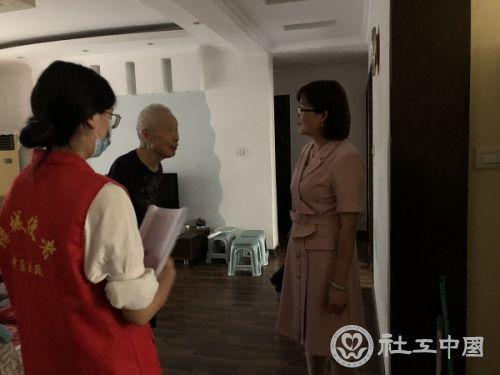 """同心协""""德"""" —郑州德佑社工参与防汛救灾行动"""